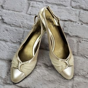 Soft Style Pearl Slingback Heels size 8M